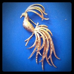 Vintage AVON Bird of Paradise Brooch Goldtone BIG